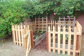 ... Beauteous Image Of Various Garden Fence For Garden Landscaping  Decoration Ideas : Amusing Image Of Small ...