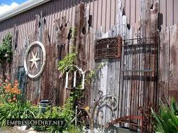 garden decor repurposed fence
