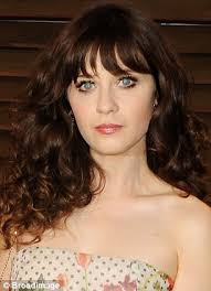 fresh faced zooey deschanel 34 shared a snap of herself while make