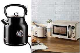 Aldi Ireland's retro black and <b>rose gold</b> kettles to fly <b>off</b> shelves as ...