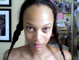 tyra banks exposes herself to her fans in her natural state is this real wow random tyra bank