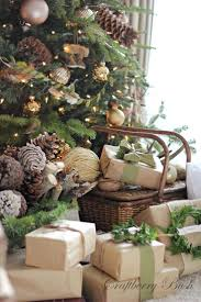 Simple, clean, natural Christmas decorations with a touch of green colour.