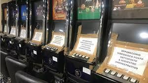 Identità violate per il gioco d'azzardo, tre denunciati a Torino - La Stampa