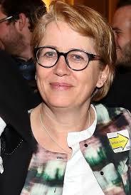 Sue Bruce-Smith - IMDb