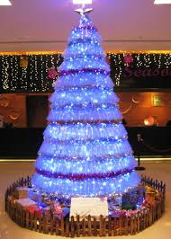 Christmas Decorations Made Out Of Plastic Bottles Try An Eco Friendly Christmas Tree Insteading 59