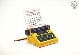 2018 2017 diy printable paper desk calendar papercraft realistic yellow miniature typewriter a4