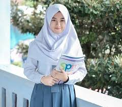 7 aksesoris hijab yang modern tapi belum banyak kamu tahu yuk kepo. Foto Cewek2 Cantik Lucu Berhijab Anak Remaja Smp Paimin Gambar