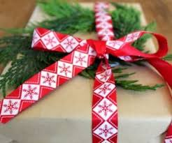20 Alternative Gift Wrapping Ideas That Entice Your CreativityDesigner Christmas Gift Wrap