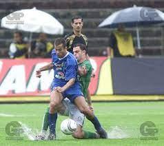 Fotos - Futebol - Campeonato Paulista: Palmeiras x Santo Andre - 06.mar.2004  - Gazeta Press
