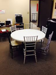 how many chairs can sit around a 60 inch round table brokeasshome com