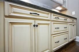 how to choose the right hardware for your kitchen cabinets