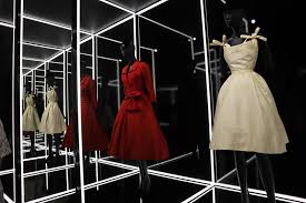 Is To Miss The V Exhibition Dior Benchpeg At amp;a Not One