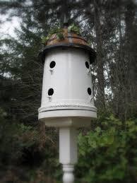 how to make a bucket into a bird house