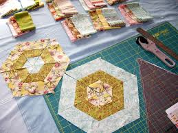 Cape Pincushion: Curio Merry Go Round Quilt project & Curio Merry Go Round Quilt project. I've started working on a new quilting  project; no Kaffe Fassett fabric this time, but instead inspired by a quilt