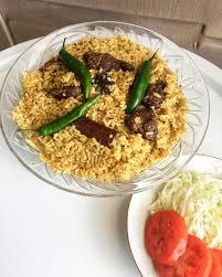 Dan kemudian disajikan dengan daging kambing goreng dan kadang. 5 Resep Nasi Kebuli Enak Sederhana Dan Mudah Dibuat
