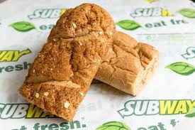 the lowest calorie and highest calorie breads at subway