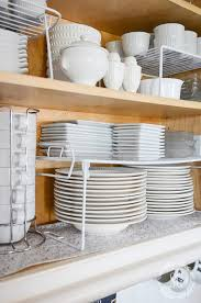 0rganizing kitchen cabinets in 10 minutes a day make your kitchen cabinets clean and organiized