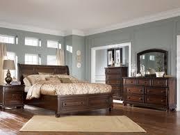 modern master bedroom sets Tips for Master Bedroom Sets
