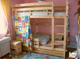 Bunk bed - Wikipedia