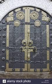 Decorating trinity doors pics : Doors of the Trinity Cathedral (1912), Holy Dormition Pochayiv ...