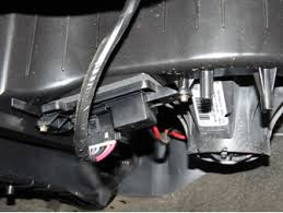 sparky's answers 2005 chevrolet silverado blower inop 2003 Chevy Tahoe Fuse Box Diagram this is a very common problem on 1999, 2000, 2001, 2002, 2003, 2004, 2005, 2006 and 2007 chevrolet silverado and gmc sierra trucks 2016 Tahoe Melted Fuse Box