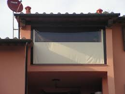 Tende Da Balcone In Plastica : Chiusure ermetiche antipioggia e anti vento per spazi esterni