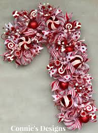 How To Make A Candy Cane Wreath  The Crafty Blog StalkerCandy Cane Wreath Christmas Craft