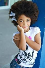 لو بنتك شعرها كيرلى تسريحات أطفال هتنفعها فى كل وقت