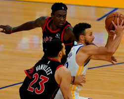 Warriors hold off Raptors 106-105 on off night by Curry