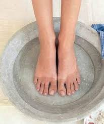 Diabetes Self Care: 10 Ways To Soothe Dry, Itchy Skin: Dry skin is ...