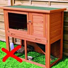 small inadequate central lock bars and no mesh and too small a hutch