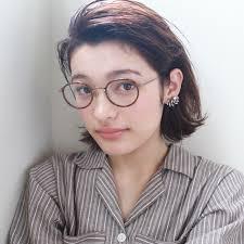 メガネ女子急増中メガネ髪型のタッグでオフでもモテる女に