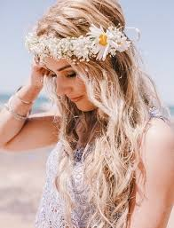 beach wedding hairstyle with fl wreath