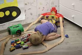 Совместимость деревянных <b>железных</b> дорог <b>Brio</b>, Ikea, ELC ...