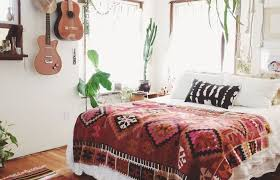rustic single bedroom decorating mexican decor ideas cactus bed on shuttersrustic single bedroom decorating