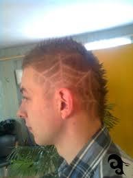 Efekt ruchu i kształt fryzury jest utrwalony za pomocą kremu glam move on. Fajne Krotkie Fryzury Meskie Frizura Wallpaper