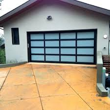 average 2 car garage size
