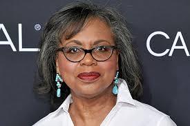 Anita Hill: Joe Biden 'Hasn't Apologized to Me' for Handling of Thomas  Hearings