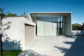 Architecture:Modern Live In Garage With Glasses Door Elmestone Design Of  Garage Idea