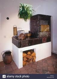 Kachelofen Im Haus Stockfoto Bild 1478857 Alamy