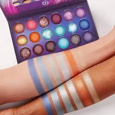 Aurora Lights 18 Color Baked Eyeshadow Palette Baked Eyeshadow Palette 18 Shades Galaxy Chic Bh Cosmetics