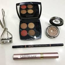for the eyes i packed anastasia beverly hills eye shadow singles for a simple eye and chanel les 4 ombres multi effect quadra eyeshadow in 268 candeur et