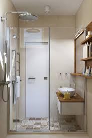 Patchwork Fliesen Und Erdtöne Für Eine Apartment Einrichtung