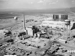 best images about the bombs of los alamos the manhattan project was one of the first project on making the atom bomb the