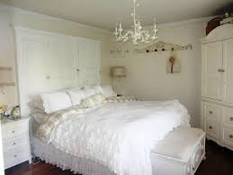 Small Chandeliers For Bedroom Beautiful Chandeliers For Bedrooms Ideas Mini Chandeliers In