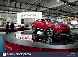 2018 toyota models usa. new 2018 toyota chr coup highrider model on display the 2017 washington auto show dc usa models usa