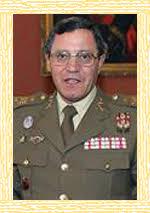 José Mena Aguado nació en Antigüedad, un pequeño pueblo de la provincia de Palencia, en el año 1942. Ingresó en el Ejército el año 1960. - jose-mena-aguado