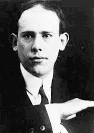 Evaristo Carriego nació en Paraná, Argentina el 7 de mayo de 1883. Era hijo del abogado y periodista del mismo nombre que tuvo gran actuación después de ... - carriego