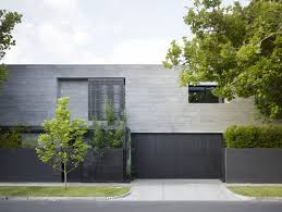 12 Minimalist Modern House Exteriors // Dark materials on the exterior of  the house give