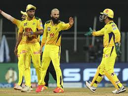 चेन्नई सुपर किंग्स ने जीत की हैट्रिक लगाने के बाद ऐसे मनाया जश्न रसेल ने 54 रन और कमिंस ने 66 रन की पारी खेली। ipl 2021, kkr vs csk: Q72eo5togxrjfm